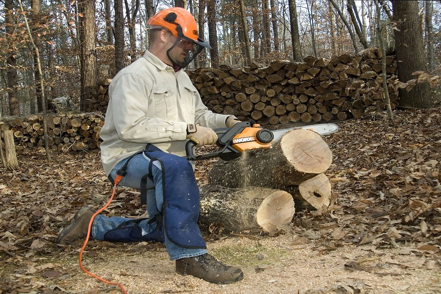 A Complete Guide To The Best Electric Chainsaw